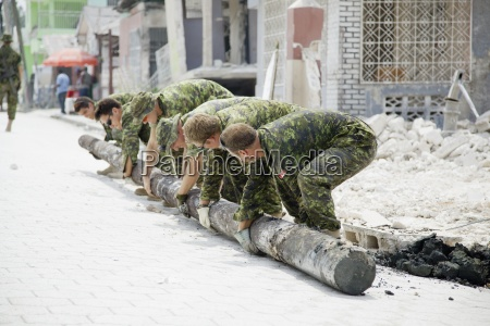 military hard at work to help