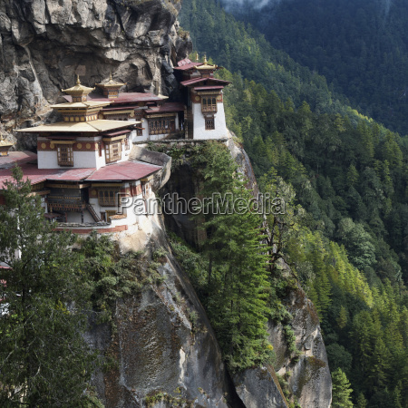 tigers nest monastery paro district bhutan