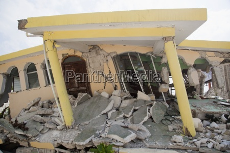 a home collapsed after the earthquake