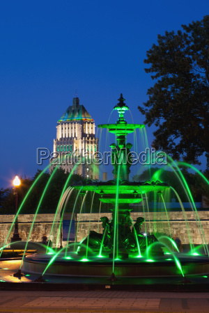 tourny fountain and the price building