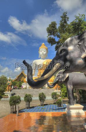 doi kham buddhist temple chiang mai