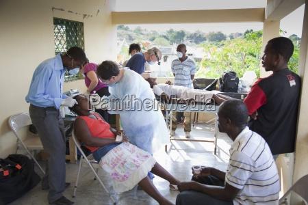 dentists volunteer their dentistry to help