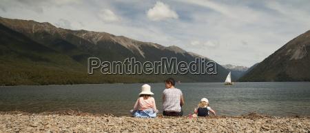 mother and kids at lake rotoiti