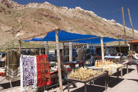 artisan market in the andes mendoza
