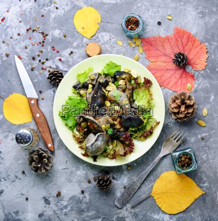 vegetarian, salad, with, mushrooms - 25441584