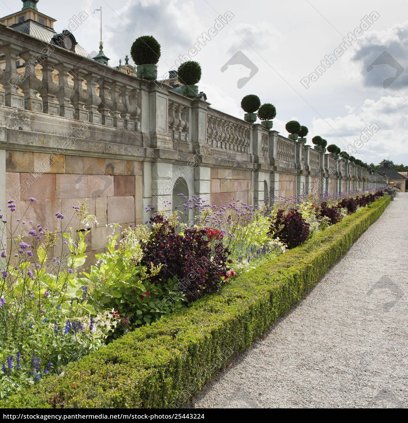 Rights,managed image 25443224 , Landscaped Garden Along The Wall Outside  Drottningholm