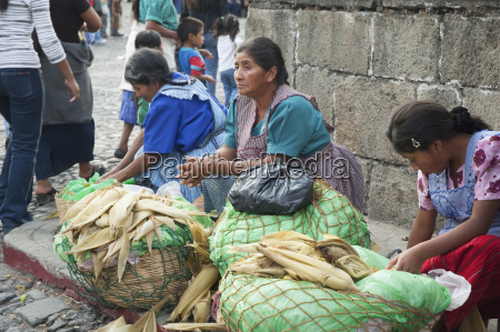 cooked corn vendors antigua sacatep