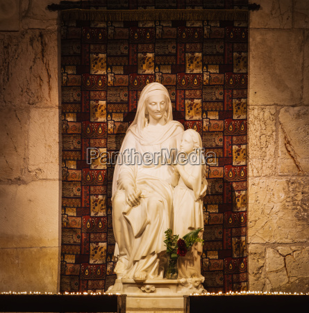 israel statue of st anne and