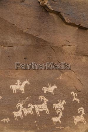 utah arches national park ancient petroglyphs