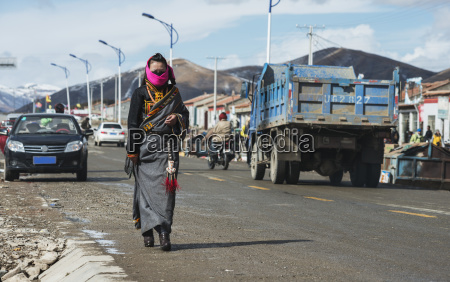 tibetan woman in the national clothes