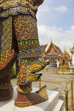 temple guardian at wat phra kaeo