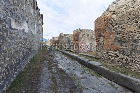 stone building ruins pompei italy