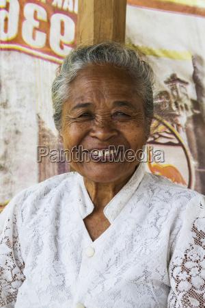 older indonesian woman semparu lombok west