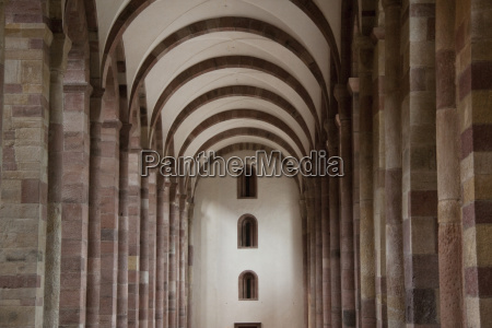 lateral nave of the speyer cathedral