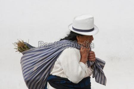indian woman cuenca azuay ecuador