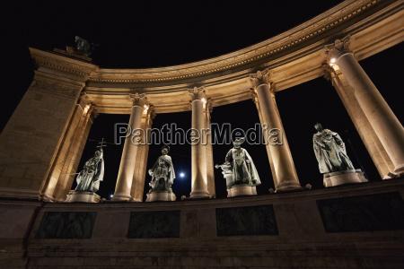 statues of hungarian kings on heroes