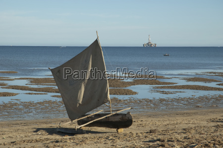 sail boat on the beach in