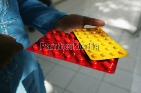 colourful packaging for tb tablets helps