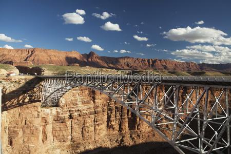 najavo bridge over marble canyon border