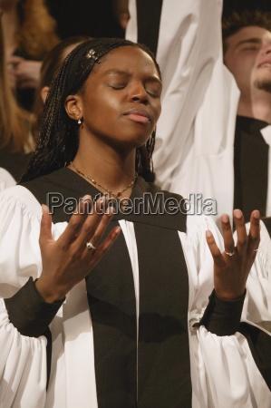 worshipping in a choir
