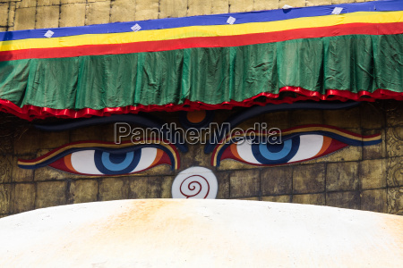 buddhas eyes at the golden tower