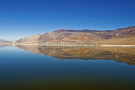 owens lake in the sierra nevada