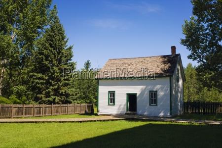 pioneer house fort edmonton alberta canada