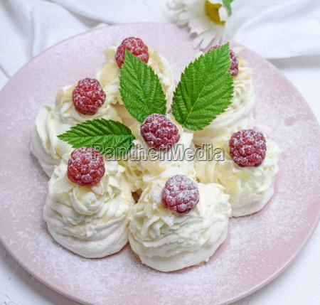 baked cakes made of egg white