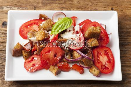 italian bread salad with tomatoes