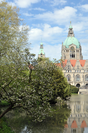 maschpark with new town hall in