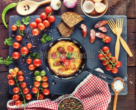 black round frying pan with fried