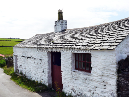 old farmhouse in cregneash on the