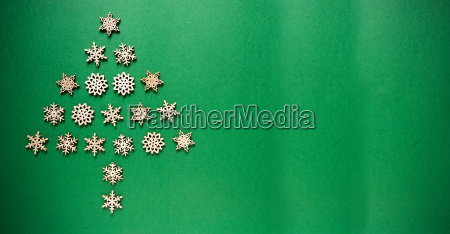 snowflakes building a christmas tree