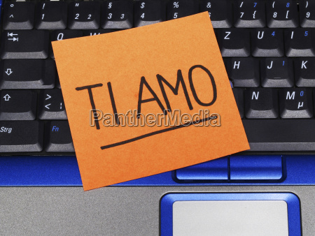 memo note on notebook ti amo