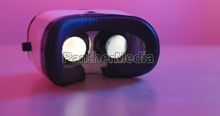 virtual reality device with video playing
