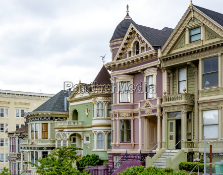 traditional victorian houses in san francisco