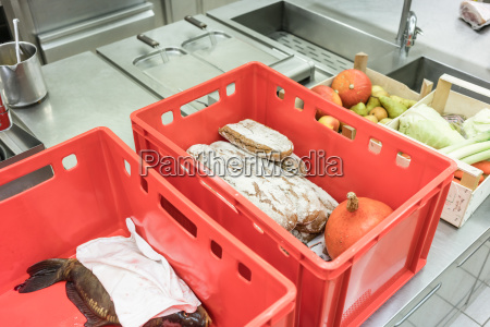delivery boxes with fresh food ready