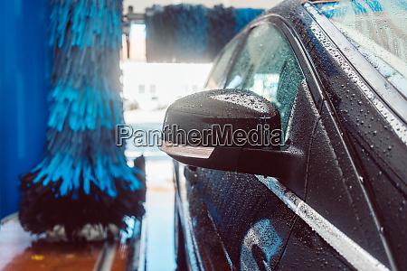 brush turning in car wash