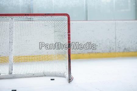 ice hockey empty net