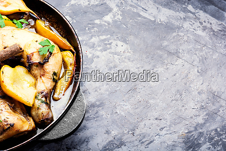 chicken baked in pear sauce