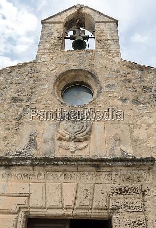 small church in les baux de