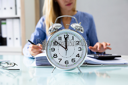 close up of an alarm clock