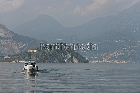 ship is coming from bellagio at