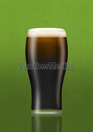 close up of pint glass of