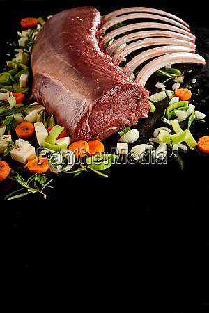 rack red meat and various seasonings