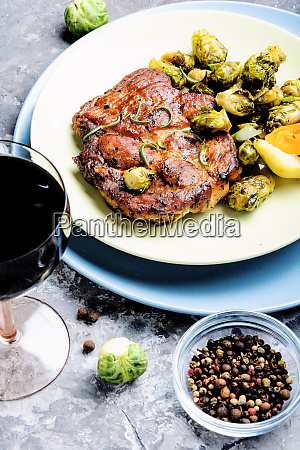 meat, steak, with, vegetables - 26052819