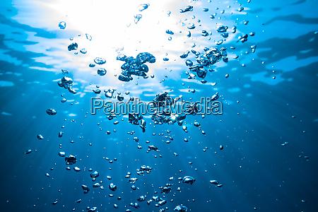 underwater air bubbles