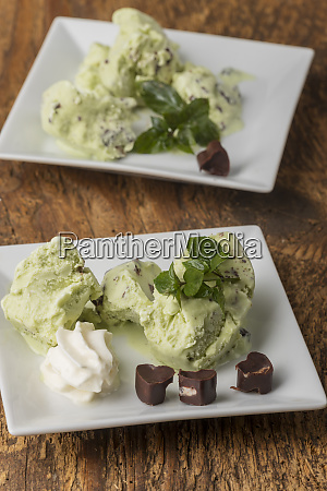 closeup of peppermint ice cream on