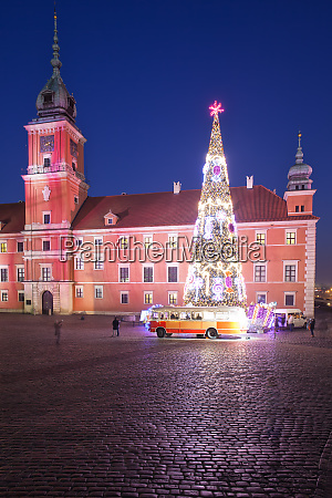 royal castle and christmas tree in