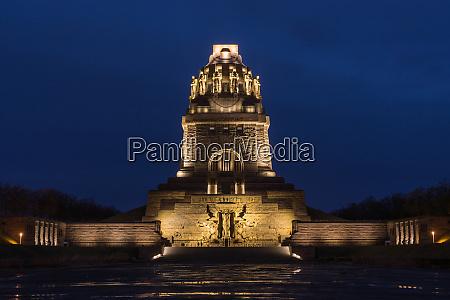leipzig voelkerschlachtdenkmal monument battle military tower